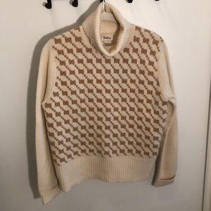 NM turtleneck sweater